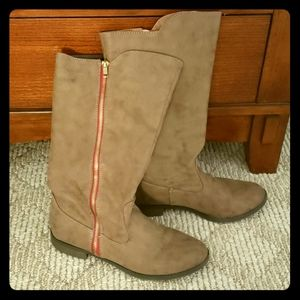 Brown Mid-calf Boots Red Accent Zipper